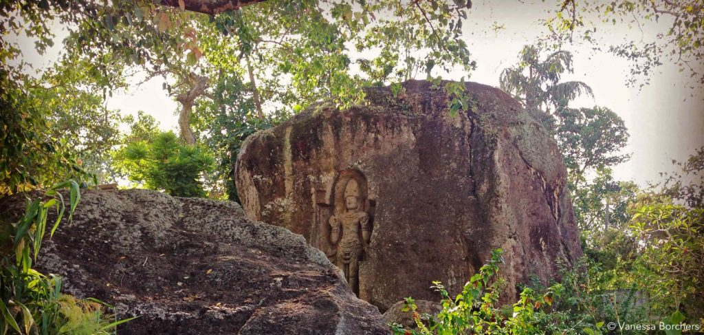 Kushta Raja Gala Statue Weligama